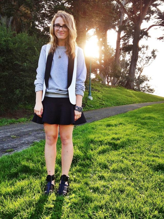 Sweatshirt: H&M | Vest: F21 | Skirt: H&M | Shoes: Zara | Bracelet: F21
